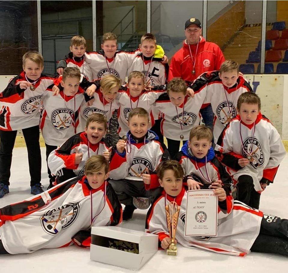 Mladší žáci získali na domácím turnaji Expert Elektro Cup krásné Třetí místo